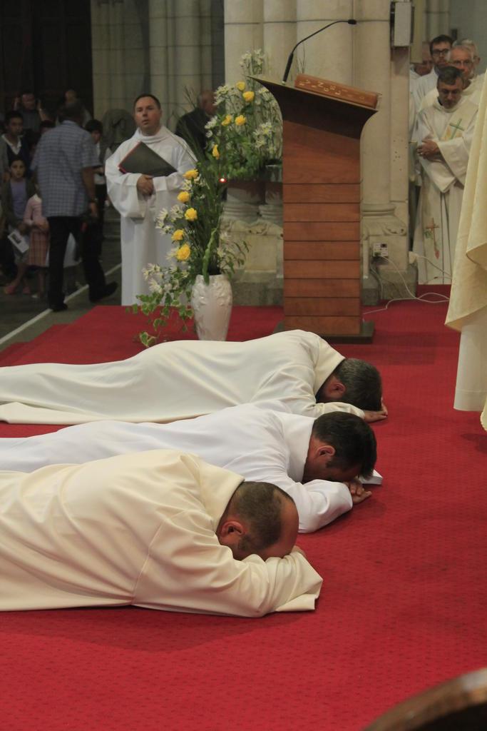 Diacre lors de leurs Sacrement